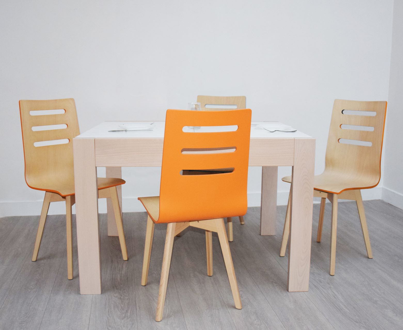 Extendable Table Neapol and Sonata Chairs from GVA Interiors